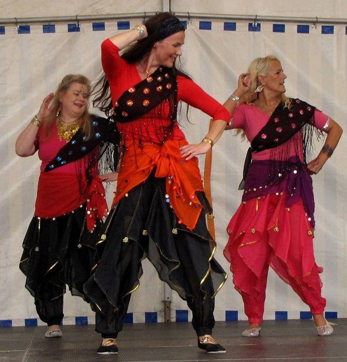 bollywood ja itämaisen tanssin ryhmät3